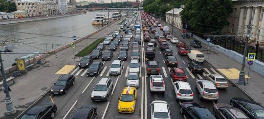 Для борьбы с пробками могут изменить нормы проезда перекрестков