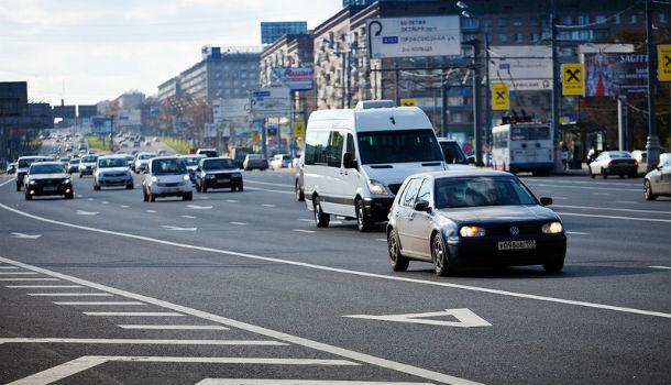 ЦОДД попросил московских водителей не выезжать на новые «выделенки»