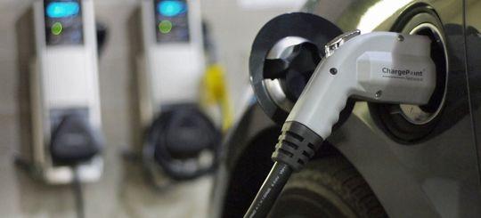 Новостройки Москвы могут начать оборудовать зарядками для электромобилей