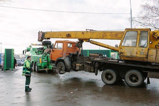 Законопроект об отмене эвакуации не препятствующих движению машин вернули на доработку