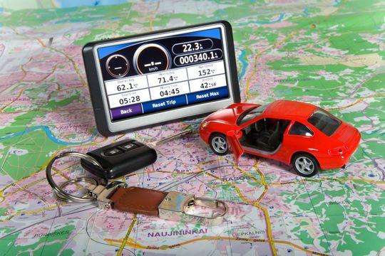 С 1 января 2017 года автомобили без «ЭРА-ГЛОНАСС» не получат ПТС на таможне