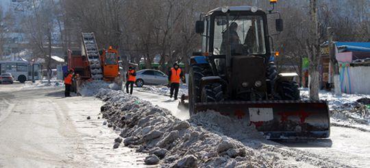 Дорожных чиновников Красноярска обвинили в многократных приписках в отчетах об уборке улиц