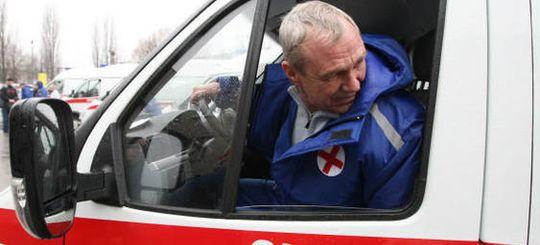 В Екатеринбурге водитель скорой снял ролик с призывом не затруднять проезд к жилым домам