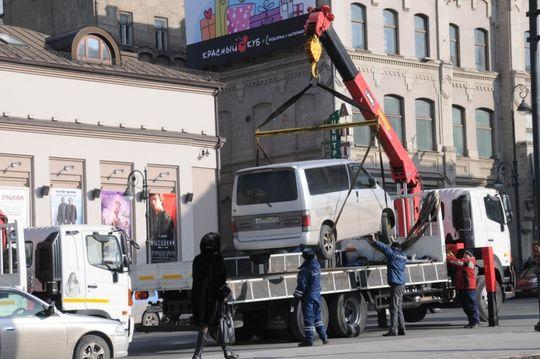 Эвакуацию превратили в мошеннический бизнес: в Госдуме предлагают отменить ее и заменить штрафом