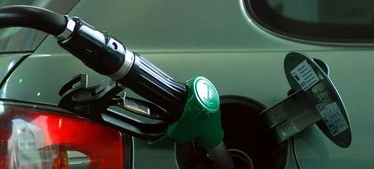 Некачественное топливо нашли на каждой восьмой АЗС