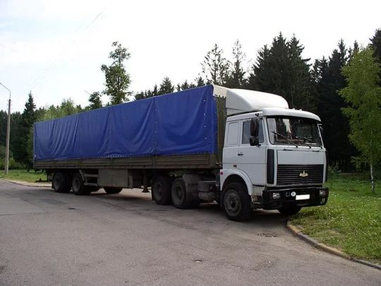 Росавтодор просят снять ограничения на проезд грузовиков