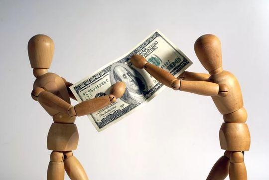 Конституционный Суд: виновники ДТП доплатят из своих денег сумму сверх страховой выплаты потерпевшим без учета износа