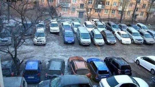 Шлагбаумная война: москвичи третий год судятся из-за парковочных мест во дворах