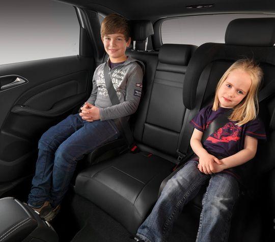 Верховный Суд разрешил перевозить детей до 12 лет без автокресел