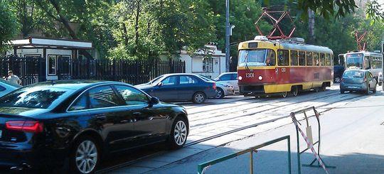 Камеры в Москве будут штрафовать за выезд на трамвайные пути