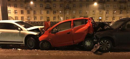ОСАГО: с 25 сентября 2017 года можно получить выплату по ОСАГО в своей страховой после ДТП участием более двух авто