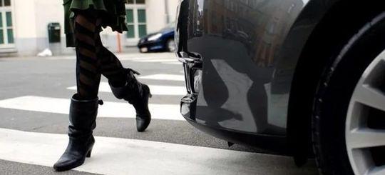 Путин подписал закон: за непропуск пешеходов штраф — до 2 500 рублей