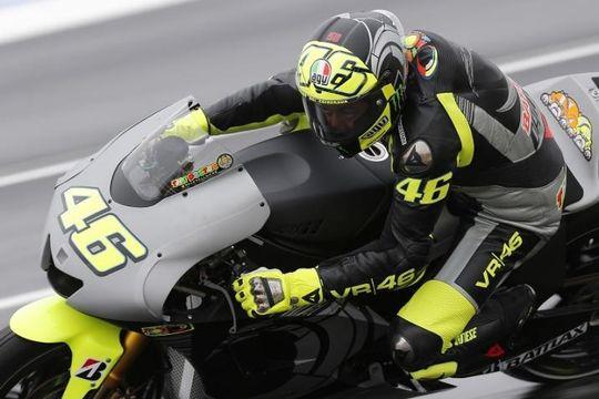 Валентино Росси, пилот MotoGP команды Movistar Yamaha в шлеме AGV